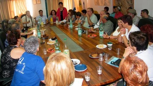 נאמני הנקיון בפגישה עם ראש העיר צילום: מיילך